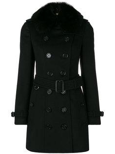 пальто с воротником из лисьего меха Burberry