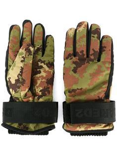 камуфляжные перчатки Dsquared2