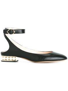 туфли Casati с жемчугом Nicholas Kirkwood