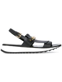 сандалии с бахромой и цепочной отделкой Loriblu