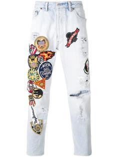 джинсы с нашивками History Repeats