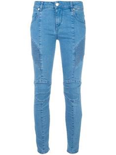 джинсы в байкерском стиле Pierre Balmain