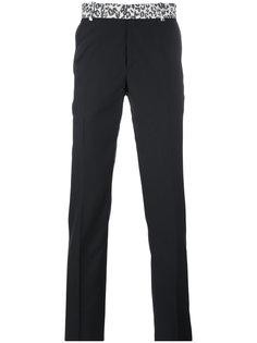 брюки с леопардовым поясом Alexander McQueen