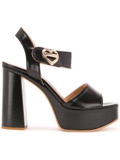 босоножки на массивном каблуке  Love Moschino