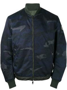 камуфляжная куртка бомбер Moncler