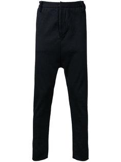 костюмные брюки с заниженным шаговым швом A New Cross