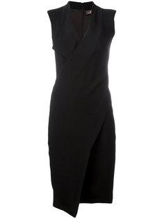 платье без рукавов с запахом Capucci
