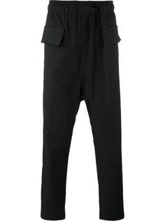 укороченные брюки с заниженной проймой Damir Doma