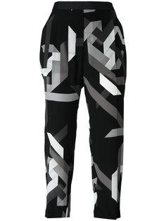укороченные брюки с геометрическим принтом Neil Barrett