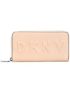 кошелек с круговой молнией и тиснением логотипа DKNY