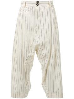 укороченные брюки с заниженным шаговым швом Vivienne Westwood