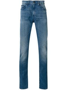 джинсы с легкими потертостями Boss Hugo Boss