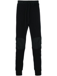 спортивные брюки с нашивками на коленях Lost & Found Rooms