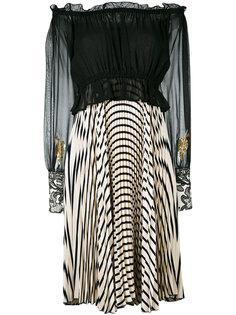 плиссированное платье с открытыми плечами и рисунком Loyd/Ford
