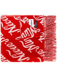 шарф с надписями и бахромой Études