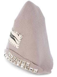 шапка-бини с нашивками Heikki Salonen