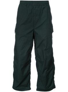 укороченные брюки со сборкой Undercover
