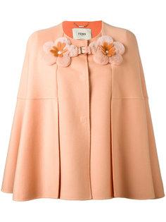 пальто-кейп с декоративными цветами Fendi