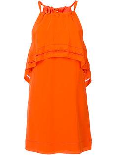 платье с оборкой  Trina Turk