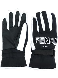 перчатки с логотипами FF Fendi