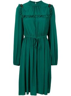 платье с отделкой из рюшей Nº21
