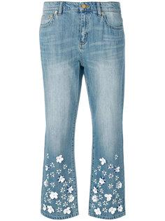 укороченные джинсы с декором из цветов Michael Michael Kors