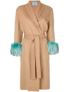 пальто с меховыми манжетами  Prada