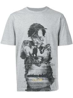футболка с принтом в виде человека с пистолетом Juun.J