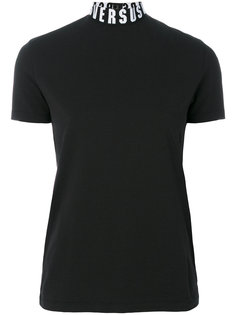 футболка с логотипом на горловине Versus
