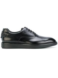 кроссовки-оксфорды  Prada