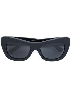 крупные солнцезащитные очки Linda Farrow Gallery