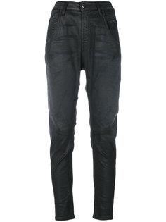 зауженные джинсы с вощеным покрытием Diesel