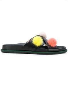 сандалии с помпонами Fendi