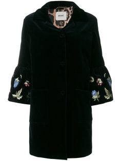 бархатное пальто с вышивкой на рукавах Bazar Deluxe