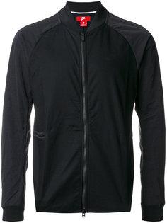 легкая куртка на молнии Nike