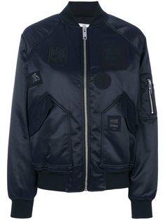 куртка-бомбер с нашивками Versus