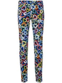 джинсы с сердцами Love Moschino
