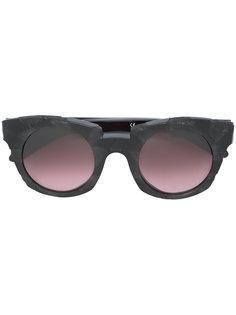 солнцезащитные очки в утолщенной оправе Kuboraum