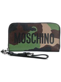 кошелек с камуфляжным узором и логотипом Moschino