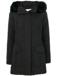 пальто с меховой отделкой  Peuterey