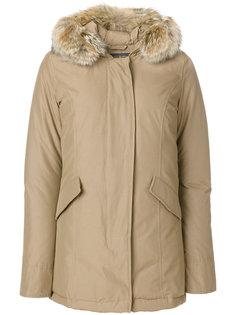 пуховое пальто с капюшоном Woolrich