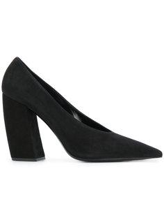 туфли на закругленных каблуках Prada