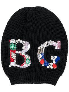 шапка-бини с украшением из поделочных камней и пайеток Blugirl