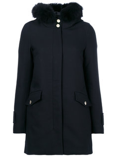 дутая куртка с оторочкой на капюшоне Herno