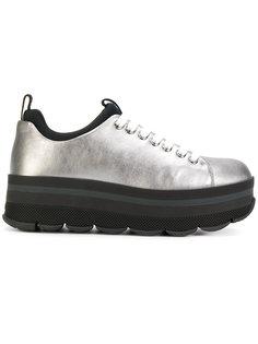 кроссовки на подошве Prada