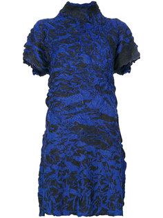 фактурное платье с высоким воротом  Issey Miyake