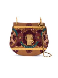 сумка Drew в стиле пэчворк с заклепками Chloé