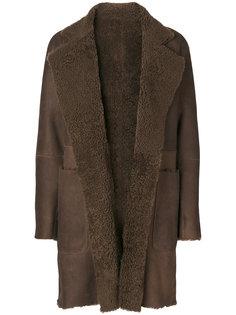 пальто из овчины Vince