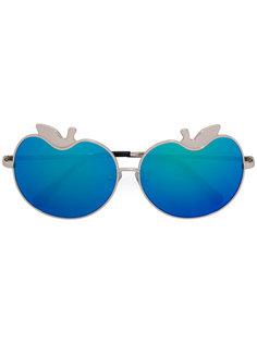 солнцезащитные очки в виде яблока 12 C4 Linda Farrow