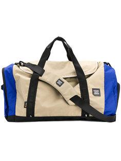 крупная дорожная сумка Herschel Supply Co.